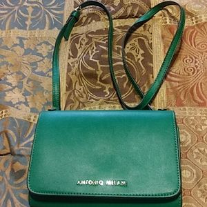 ANTONIO MELANI Bags - AMTONIO MELANI KELLY GREEN WOMEN'S SHOULDER BAG